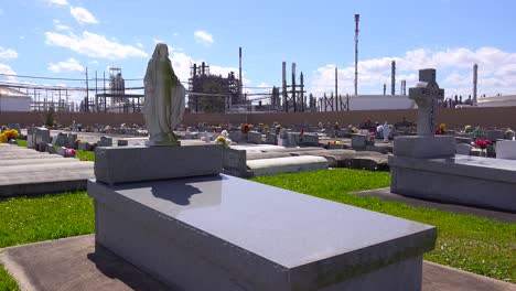 A-cemetery-or-graveyard-in-Louisiana-exists-adjacent-to-a-huge-petrochemical-plant-5
