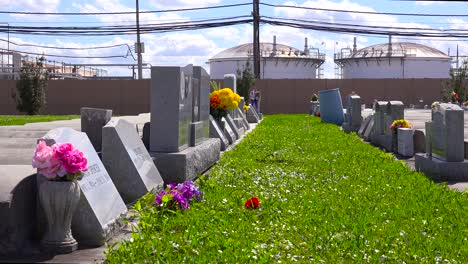 A-cemetery-or-graveyard-in-Louisiana-exists-adjacent-to-a-huge-petrochemical-plant-8