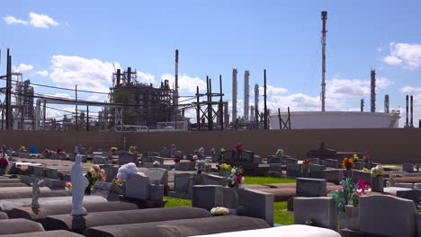 A-cemetery-or-graveyard-in-Louisiana-exists-adjacent-to-a-huge-petrochemical-plant-10