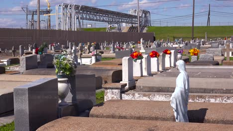 A-cemetery-or-graveyard-in-Louisiana-exists-adjacent-to-a-huge-petrochemical-plant-13