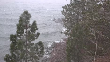 A-blinding-snowstorm-strikes-in-the-Sierra-Nevada-mountains-at-Lake-Tahoe