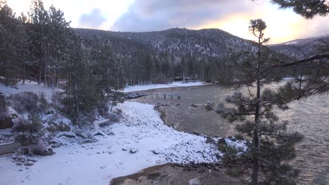 A-snowstorm-strikes-in-the-Sierra-Nevada-mountains