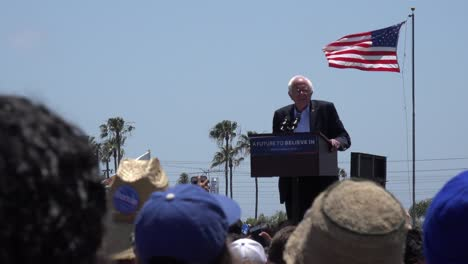 Bernie-Sanders-speaks-in-front-of-a-huge-crowd-at-a-political-rally-about-our-broken-criminal-justice-system
