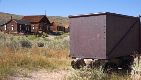 The-old-rusting-silver-mine-at-Bodei-California-perfectly-describes-an-abandoned-ghost-town-1