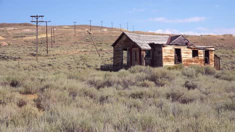 Una-Cabaña-De-Colonos-Abandonados-En-La-Ciudad-Fantasma-De-Bodie-California