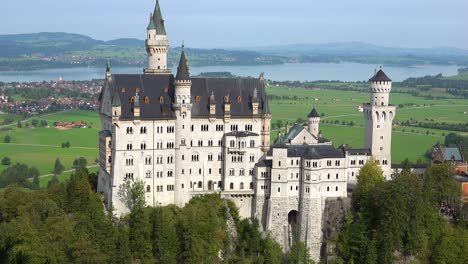 A-classic-slow-zoom-out-from-Neuschwanstein-Mad-Ludwigs-castle-in-Bavaria-Germany