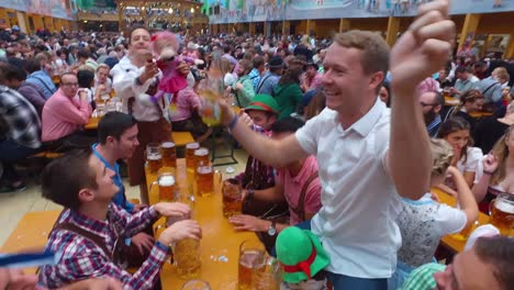 People-drink-and-celebrate-at-Oktoberfest-Germany