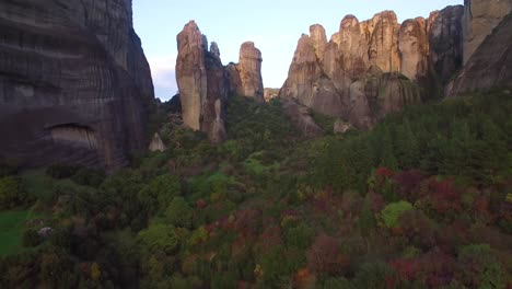 Beautiful-rising-aerial-over-the-rock-formations-of-Meteora-Greece