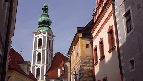 Aufnahmeaufnahme-Von-Cesk___´©-Krumlov-Ein-Hübsches-Kleines-Böhmisches-Dorf-In-Tschechien