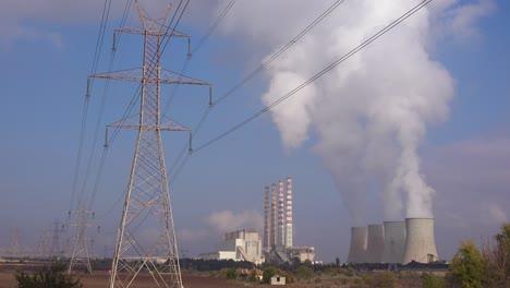Ein-Großes-Atomkraftwerk-Erzeugt-Strom-In-Nordgriechenland-1