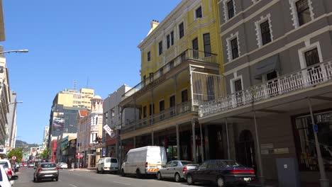 Toma-De-Establecimiento-Del-Centro-De-La-Ciudad-De-Cape-Town-South-Africa-Con-Edificios-Coloniales-Y-Tráfico