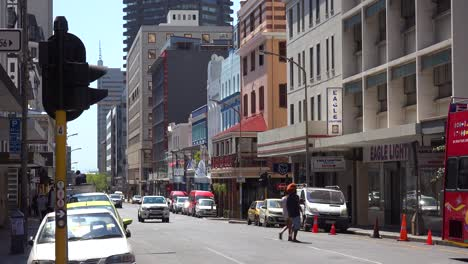 Establishing-shot-of-the-downtown-area-of-Cape-Town-South-Africa-with-colonial-buildings-and-traffic-2