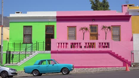 Establishing-shot-of-the-colorful-Bo-kaap-Malay-area-of-Cape-Town-South-Africa-with-colonial-buildings-and-traffic-2