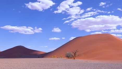 Astonishing-time-lapse-of-clouds-moving-over-Dune-45-a-massive-sand-dune-in-the-Namib-Naukluft-desert-Namibia