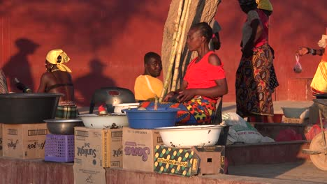Poor-African-citizens-shop-in-a-basic-Africa-street-market-in-Opuwo-Namibia-2