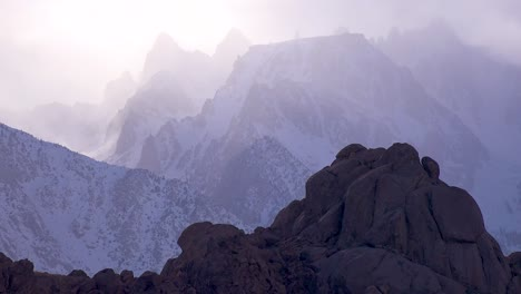 Beautiful-cloud-formations-over-Mt-Whitney-in-the-Sierra-Nevada-mountains-in-winter-2