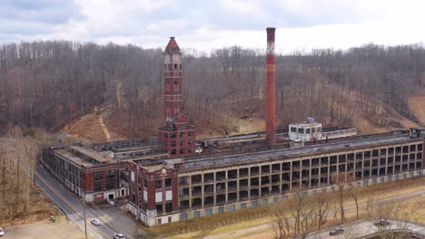Aerial-over-an-abandoned-factory-in-the-American-midwest-1