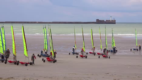 Land-carts-or-sail-carts-or-blokarts-are-wheeled-onto-the-beach-in-France