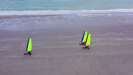 Aerial-land-carts-sail-carts-blokarts-sand-yachts-are-sailed-on-the-beach-in-France-3
