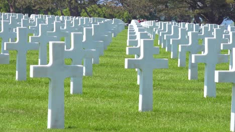 Graves-and-crosses-at-American-World-War-Two-cemetery-memorial-at-Omaha-Beach-Normandy-France