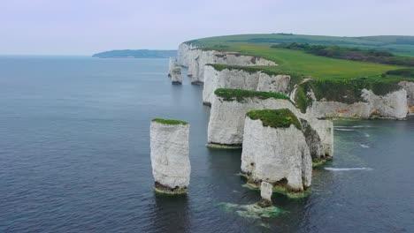 Schöne-Antenne-über-Den-Weißen-Klippen-Von-Dover-In-Der-Nähe-Von-Old-Harrys-Rocks-An-Der-Südküste-Englands-3