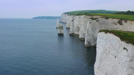 Hermosa-Antena-Sobre-Los-Acantilados-Blancos-De-Dover-Cerca-De-Old-Harris-Rocks-En-La-Costa-Sur-De-Inglaterra-4