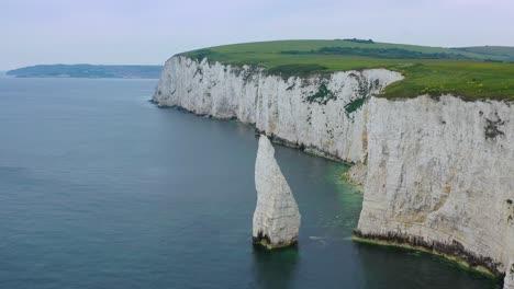 Schöne-Antenne-über-Den-Weißen-Klippen-Von-Dover-In-Der-Nähe-Von-Old-Harrys-Rocks-An-Der-Südküste-Englands-5