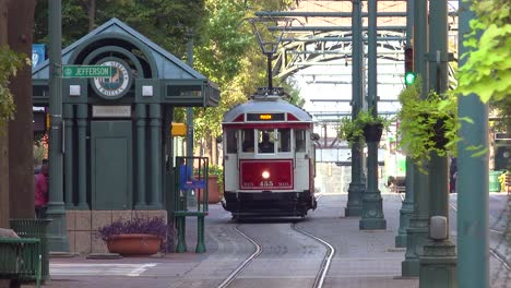 Memphis-trolley-car-on-a-busy-street-outside-downtown-business-district-office-buildings-3