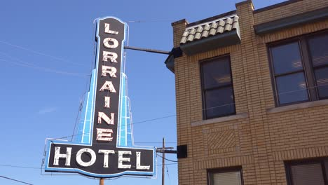 Exterior-of-the-Lorraine-Motel-where-Martin-Luther-King-was-assassinated-on-April-4-1968-now-the-National-Civil-Rights-Museum-in-Memphis-Tennessee-5