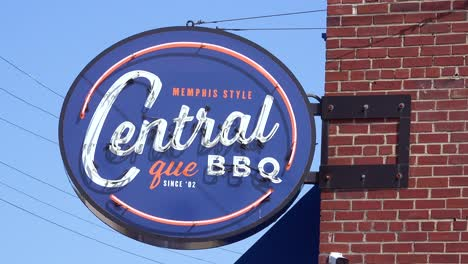 Establishing-of-a-generic-Memphis-style-bbq-barbeque-restaurant-sign