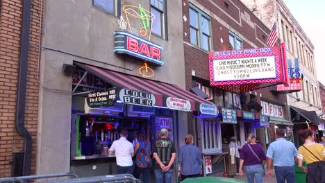 Tourists-buy-drinks-at-an-outdoor-alcohol-to-go-bar-on-Beale-Street-Memphis-Tennessee