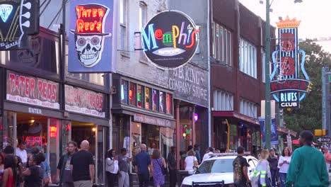 Nice-day-establishing-shot-of-Beale-Street-Memphis-Tennessee-with-Memphis-Music-and-BB-King-Blues-Club-visible