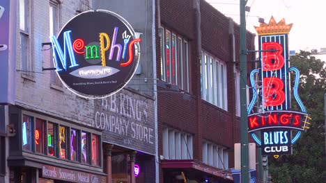Nice-day-establishing-shot-of-Beale-Street-Memphis-Tennessee-with-Memphis-Music-and-BB-King-Blues-Club-visible-1