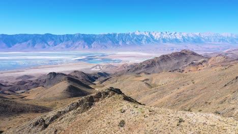 La-Antena-De-La-Vasta-Región-Del-Valle-De-Owens-Revela-Las-Sierras-Orientales-De-California-Y-El-Monte-Whitney-En-La-Distancia-1