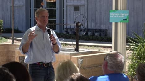 2019---El-Candidato-Presidencial-Estadounidense-Tom-Steyer-Habla-Ante-Una-Pequeña-Reunión-O-Grupo-De-Votantes-Y-Simpatizantes-En-Ventura-California-6