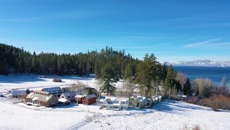 2020--Antena-De-Nieve-De-Invierno-Sobre-Casas-De-Rancho-De-La-Comunidad-De-Glenbrook-Nevada-A-Orillas-Del-Lago-Tahoe-Nevada