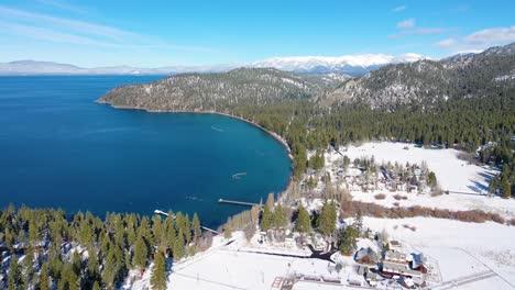 2020--Antena-De-Nieve-De-Invierno-Sobre-Casas-De-Rancho-De-La-Comunidad-De-Glenbrook-Nevada-A-Orillas-Del-Lago-Tahoe-Nevada-1