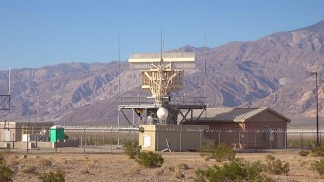2020:-Una-Estación-De-Radar-Del-Desierto-En-Funcionamiento-Cerca-Del-Valle-De-La-Muerte-California