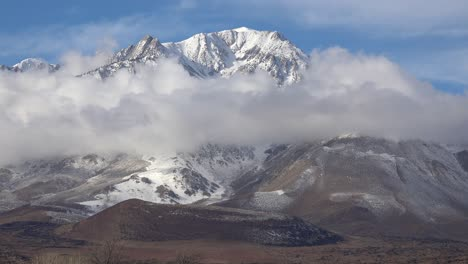 Time-lapse-beautiful-clouds-in-winter-behind-the-Eastern-Sierra-Nevada-mountians-near-Mt-Whitney-California