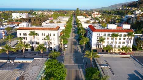 2020---vista-aérea-of-the-streets-of-Ventura-California-empty-as-all-businesses-close-during-the-Coronavirus-Covid-19-epidemic-crisis-1