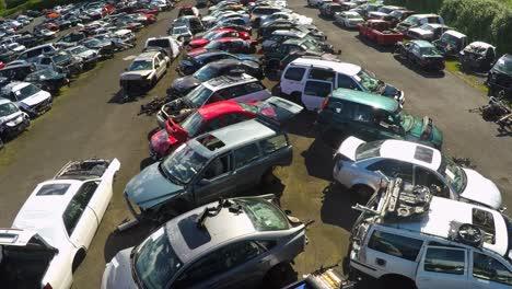 An-vista-aérea-shot-over-an-automobile-junkyard