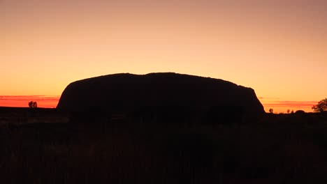 Sunrise-at-Ayers-Rock-Uluru-Australia