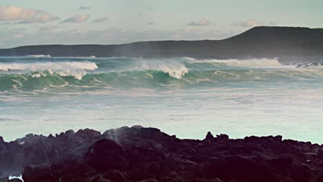 Large-waves-roll-into-the-coast-of-Hawaii-in-slow-motion-7