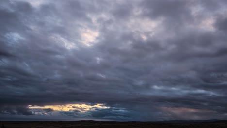 Dark-clouds-move-across-the-horizon-on-the-island-of-Molokai-Hawaii-1