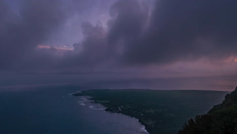 Gorgeous-tropical-clouds-move-in-timelapse-on-the-horizon-1