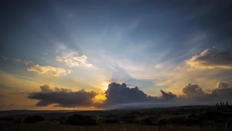 Gorgeous-tropical-clouds-move-in-timelapse-on-the-horizon-2