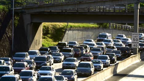 Morning-westbound-traffic-under-overpass-on-the-H1-Freeway-in-Honolulu-Hawaii