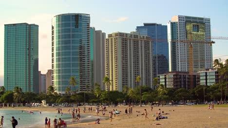 Ala-Moana-Beach-Park-with-the-Kakaako-area-of-Honolulu-behind-it
