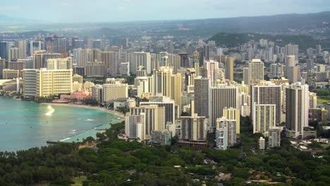 Hotels-in-Waikiki-in-Honolulu-Hawaii