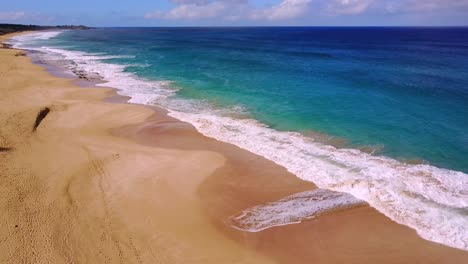 Nice-rising-aerial-shot-over-Molokai-Hawaii-white-sand-beach-and-coastline